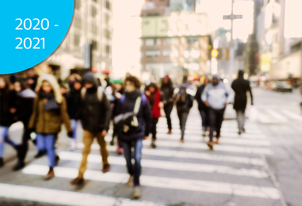 photo: blurry crowd on city street (iStockphoto)
